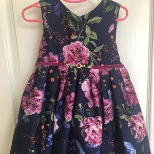 NWT Pippa & Julie Beautiful Floral Dress